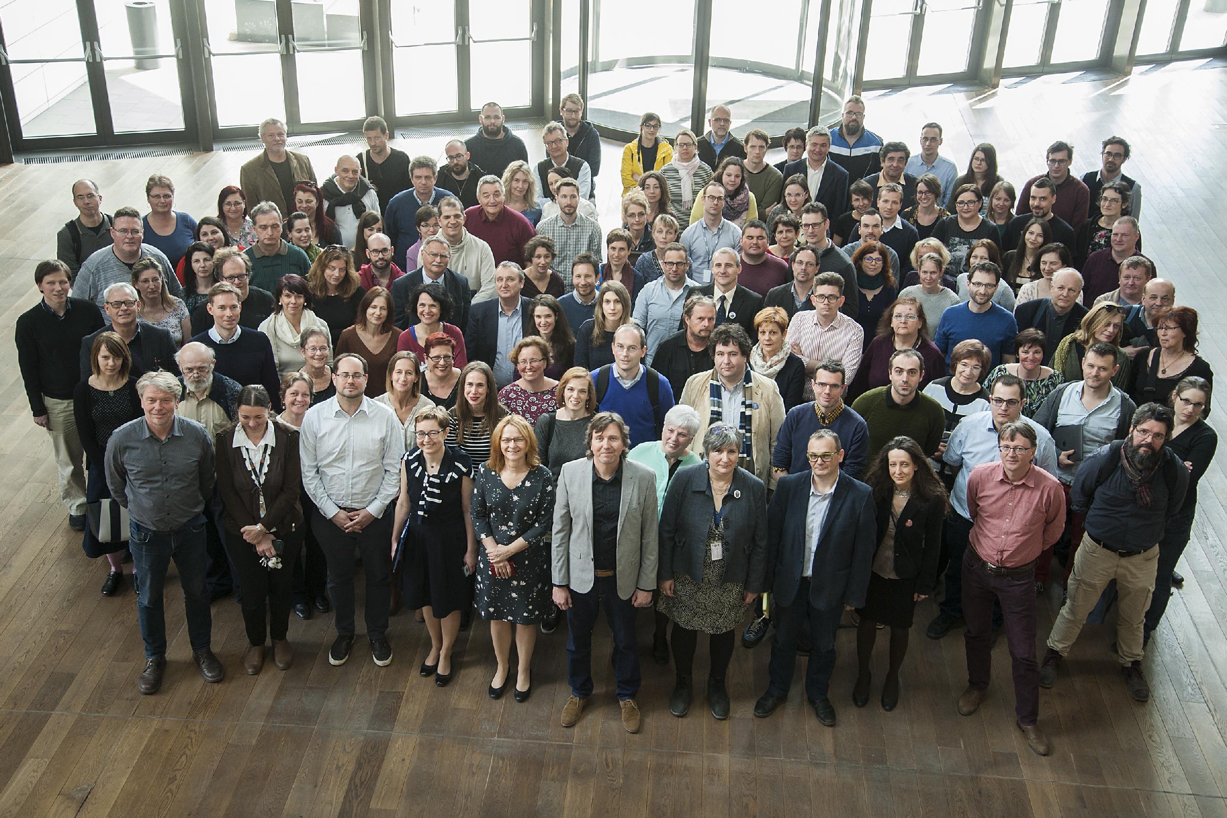 Az ország legjelentősebb társadalomtudományi intézménye, az MTA Társadalomtudományi Kutatóközpont munkatársai, elöl középen Boda Zsolt főigazgatóval