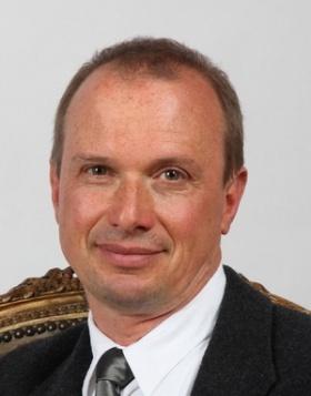 Néda Zoltán, az MTA külső tagja, a KAB elnöke
