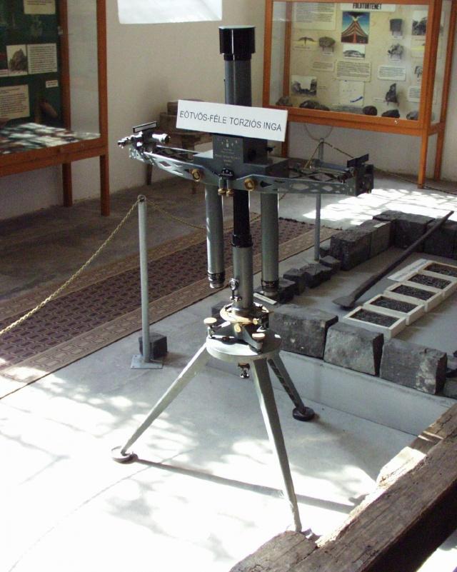 Egy Eötvös-inga a Sághegyi Múzeumban
