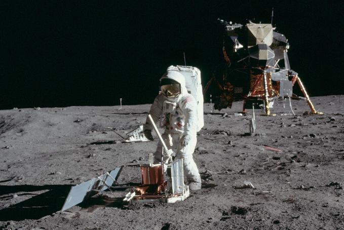 Holdséták, lézertükör, kőzetminták – az első holdexpedíció tudományos eredményei