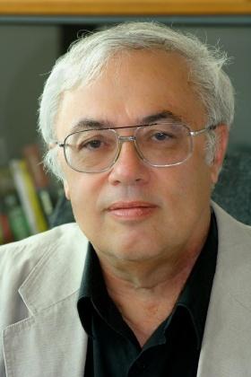Falus András akadémikus, a Magyar Tudomány főszerkesztője