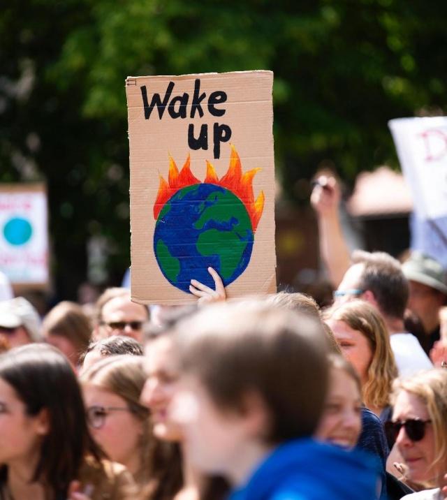 Tüntetés az európai parlamenti választások elé időzített globális klímasztrájk alkalmából Erlangenben (Németország) 2019. május 24-én